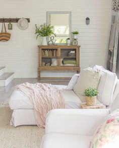 Seating area via Jenna Sue Design