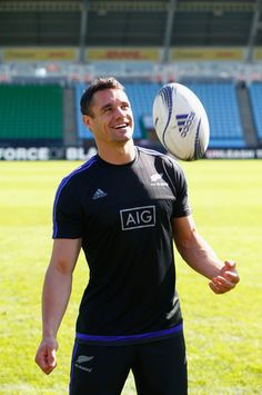 Footy Players: Dan Carter of the New Zealand All Blacks All Blacks Rugby Team, Nz All Blacks, Dan Carter, Rugby Men, Rugby Players, Sport Man, Mens Clothing Styles, Gorgeous Men, Sexy Men