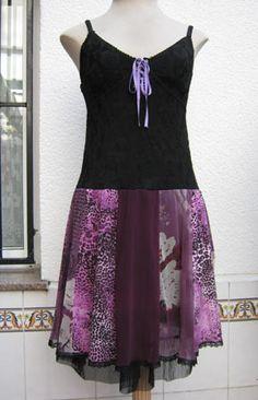 Vestido hecho con 4 camisetas / Dress made of 4 t-shirts. Más en mi blog... More at my blog...