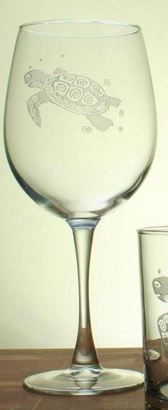 Sea Turtle Etched Wine Goblets - brand new!  Perfect gift for the sea turtle lover  #coastal #seaturtle