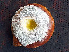 Norwegian Food, Vanilla Cream, Dessert Recipes, Desserts, No Bake Cake, Doughnut, Food Inspiration, Sweet Tooth, Bakery