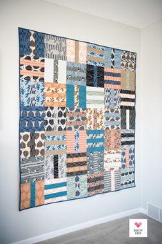 Fat Quarter Dash quilt pattern Quilt Patterns Free, Fabric Patterns, Layer Cake Quilts, Fat Quarter Projects, Fat Quarter Quilt, Traditional Quilts, Saturated Color, Quilt Making, Modern Design