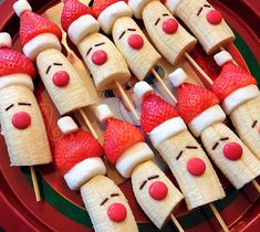Santa Banana Fruit Skewers and other fun Christmas breakfast ideas. Must pin for the Christmas season. Lots of fun to do with kids for their Christmas advent activities. christmas treats Candy Cane French Toast Kabobs - Clean and Scentsible Best Christmas Recipes, Christmas Deserts, Christmas Brunch, Christmas Chocolate, Christmas Breakfast, Christmas Appetizers, Breakfast For Kids, Christmas Treats, Simple Christmas