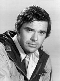Robert Urich Born: 16-Dec-1946 Birthplace: Toronto, OH Died: 16-Apr-2002 Location of death: Thousand Oaks, CA Cause of death: Cancer - unspecified Remains: Cremated (ashes buried in Ontario, Canada)