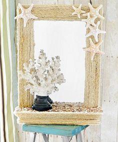 Dye: Espelho com moldura em corda.