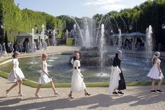 CHANEL Versailles Cruise Collection 2012-13 Highligts Selection on:    http://youtu.be/k7m0sKbWIRI