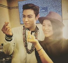 Zhang Ziyi poses with T.O.P after the BIGBANG show in Las Vegas.