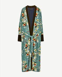 1a90af03f4 Imagen 8 de KIMONO ESTAMPADO de Zara Zara Mujer 2017, Pijama, Cazadora,  Terciopelo