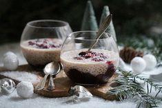 Kokos-Tapioka-Pudding mit heißen Zimt-Kirschen