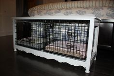 Dog crate crafty idea at the end of the bed. Really Cute Dogs, Dog Crate Furniture, Diy Dog Crate, Crate Cover, Dog Cages, Dog Rooms, Pet Beds, Dog Houses, Dog Friends