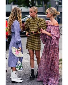 The Best Street Style at New York Fashion Week Spring 2020 Fashion Week 2018, Fashion 2020, New York Fashion, Fashion Fashion, Womens Fashion, Trendy Outfits, Fashion Outfits, Fashion Tips, Fashion Trends