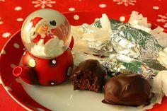 Aszalt szilvás szaloncukor (paleo) Malm, Christmas Candy, Pudding, Cupcakes, Desserts, Food, Diets, Candy, Food Food