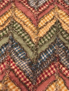 Beautiful chevron ragged homespun quilt made with Jubilee Fabrics. Homespun fabric makes the BEST fray for rag quilts!