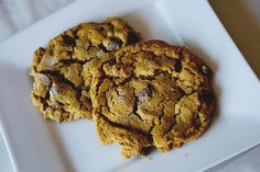 Flourless SunButter Chocolate Chip Cookies from sugarcrafter.net  I am SO making these this weekend!