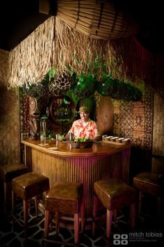 The Straw Hut -- Tiki Central