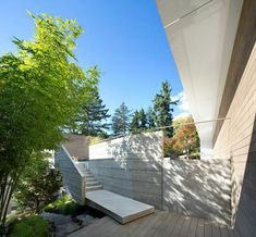 Idea Sunset House by McLeod Bovell Modern Houses in West Vancouver, Canada Architecture Romane, Architecture Baroque, Architecture Design, Wood Patio, Concrete Patio, Level Homes, Construction, Modern House Design, Modern Houses