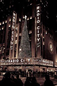 Radio City Music Hall, NYC.
