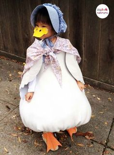100 of the best World Book Day costume ideas - Ente And Gans Book Character Day, Book Character Costumes, World Book Day Costumes, Book Week Costume, Halloween Character Ideas, World Book Day Characters, Costume Chat, Bird Costume, Fancy Dress For Kids