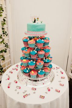 Retro Lego Wedding Cake  © Helen Russell Photography helenrussellphotography.co.uk