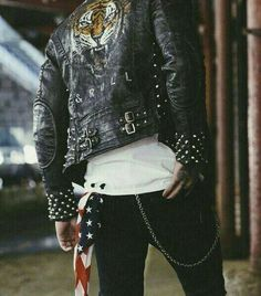 First-Rate Urban Wear Fashion Jackets Ideas Creative and Modern Tricks: Urban Fashion Menswear Men urban wear swag pants. Grunge Fashion, Urban Fashion, Fashion Women, Lolita Fashion, Rocker Style Men, Rocker Girl, Rocker Chic, Biker Look, Gentlemen Wear