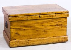 Lot 487: Primitive Popular Tool Chest; Having hinged top with interior tool compartments