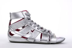 Google Image Result for http://www.ejordanheels2012.com/images/Nike-Gladiator-MD-Sandals-Metallic-Silver-on-Cheap-Sale-4.jpg