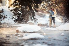 This snowboarding couple retained Jason+Gina Wedding Photographers for their snowboarding winter engagement session in Vail, Colorado. Winter Engagement Pictures, Engagement Photo Outfits, Engagement Photo Inspiration, Engagement Pics, Couple Photography, Engagement Photography, Mountain Photography, Photography Poses, Vail Colorado