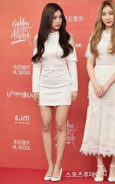Yuri, Kpop Fashion, Womens Fashion, Ulzzang, Japanese Girl Group, Korean Music, Korean Girl, My Idol, Red Carpet