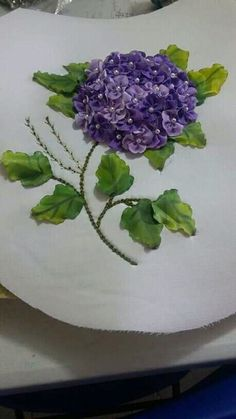 Ribbon Embroidery Tutorial, Hand Embroidery Stitches, Silk Ribbon Embroidery, Embroidery Patterns, Sweet Violets, Flower Bag, Baby Girl Crochet, Brazilian Embroidery, Ribbon Art