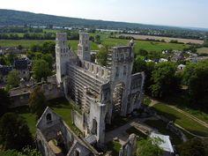 Abbaye de Jumièges | Normandy, France - #Gothic ruins
