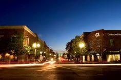 Street lights light up the night sky in Downtown Franklin, TN