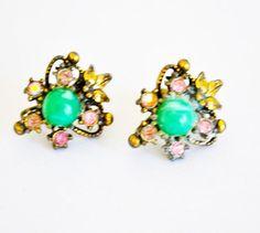 Fleur De Lis Earrings, Vintage Screw oN  Gold Tone, Green Bead, Rhinestones, VIctorian Design,  Item No.B 343 by ESTATENOW on Etsy https://www.etsy.com/listing/129995931/fleur-de-lis-earrings-vintage-screw-on