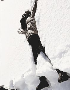 Taemin I always do this when we have enough snow *-*
