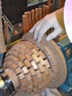 SegEasy Dennis Keeling Small Wood Projects, Scrap Wood Projects, Lathe Projects, Wood Turning Projects, Woodworking Projects Diy, Fine Woodworking, Wood Turning Lathe, Wood Lathe, Segmented Turning