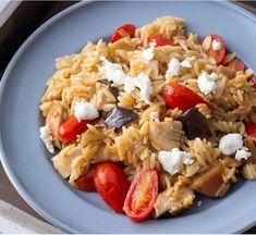 Pasta Salad, Cobb Salad, Cookbook Recipes, Cooking Recipes, Greek Cooking, Tasty, Ethnic Recipes, Food, Crab Pasta Salad