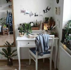 • Cozy desktop • plants everywhere • photos • mirror • by aliencreature •