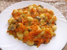 Delená strava Gnocchi s hlivovo mrkvovou omáčkou Delena, Gnocchi, Carrots, Cabbage, Vegan Recipes, Stuffed Mushrooms, Food And Drink, Ale, Chicken