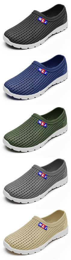 Men Hollow Out Soft Breathable Sandals Flat Slip On Water Garden Shoes