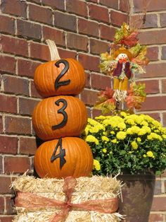 Fall porch- house numbers Fall Yard Decor, Fall Decorations, Lake Oconee, Holiday Festival, Porch Decorating, Fall Halloween, Trick Or Treat, Autumn Leaves, Pumpkin