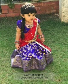 Benaras Half Saree by kavitha Gutta - Indian Dresses Baby Lehenga, Kids Lehenga, Kids Dress Wear, Kids Gown, Kids Wear, Kids Blouse Designs, Dress Designs, Kids Ethnic Wear, Baby Dress Design