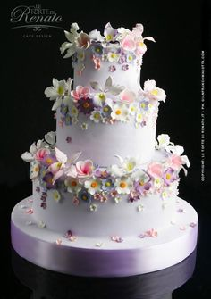 A nice elegant flower cake Beautiful Wedding Cakes, Gorgeous Cakes, Pretty Cakes, Cute Cakes, Amazing Cakes, Beautiful Flowers, Beautiful Pictures, Bolo Floral, Floral Cake