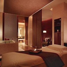 "Chi, The Spa at Shangri-La Hotel, Pudong has been awarded the winner of the ""Interior Design of the Year"" at the 2006 Baccarat Asia Spa Awards. Designed by HBA/Hirsch Bedner Associates."