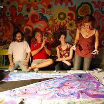 artistas trabajando