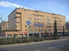 Si en 2006, la distancia era de 1.014,6 euros m², al cierre de 2013 se estrechó a sólo 364