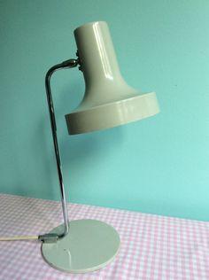 http://de.dawanda.com/product/77404923-TischlampeBauhausRetro60er-Jahre