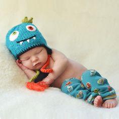 35a92ca1c6d Monster Beanie Hat from Huggalugs  20. Matching legwarmers  10-12.  ADORABLE! Newborn