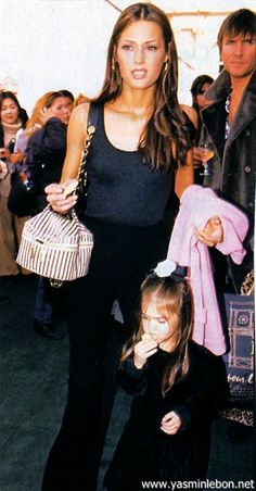 Yasmin Le bon, CHANEL, 1992.  back stage W/ family