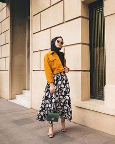 Man Tutorial and Ideas Modern Hijab Fashion, Street Hijab Fashion, Hijab Fashion Inspiration, Muslim Fashion, Modest Fashion, Fashion Outfits, Casual Hijab Outfit, Hijab Chic, Casual Outfits