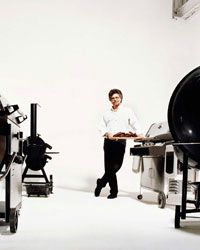 Most people own one grill. Steven Raichlen, author of The Barbecue Bible and host of PBS's Barbecue University, has Here, his favorites. Barbecue Design, Barbecue Grill, Grilling Recipes, Wine Recipes, Steven Raichlen, Fire Grill, Smoke Grill, Grill Master, Smoking Meat