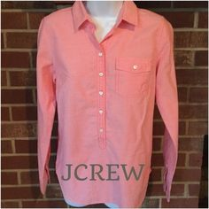 Like New JCREW cotton top Looks new. Worn a couple of times only. Dressy or Casual. Such a gorgeous color. Has two extras buttons sewn inside lining 100% cotton. Reasonable offers only. ❌NO PP NO TRADES❌. Color: Coral J. Crew Tops